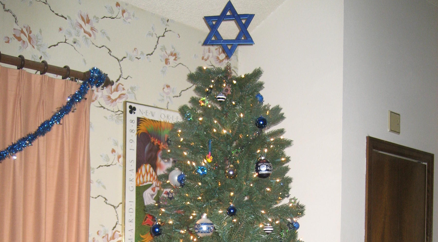 Jews Christmas Trees.Area Jews Celebrating Christmas Shocked Holiday Is About